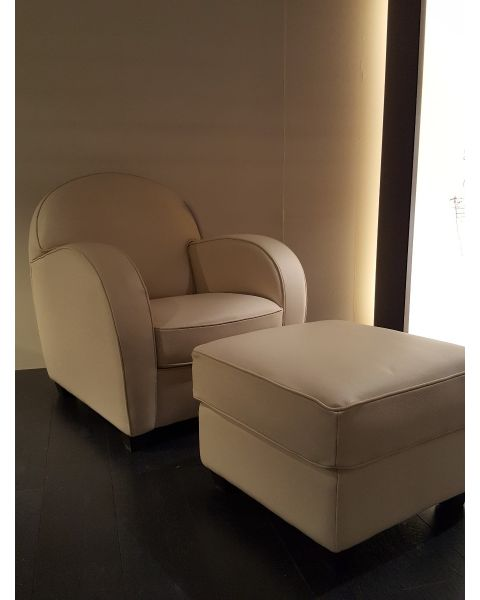 Natuzzi Italia Aris Chair - 1681 met Voetenbank