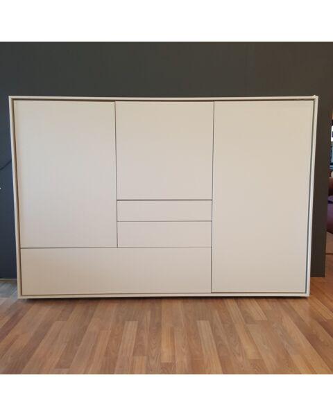 Kyara dressoir 3 deuren & 3 laden showroom