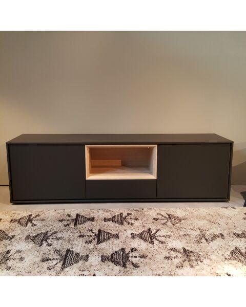 Kyara tv-dressoir mat zwart/eiken showroom